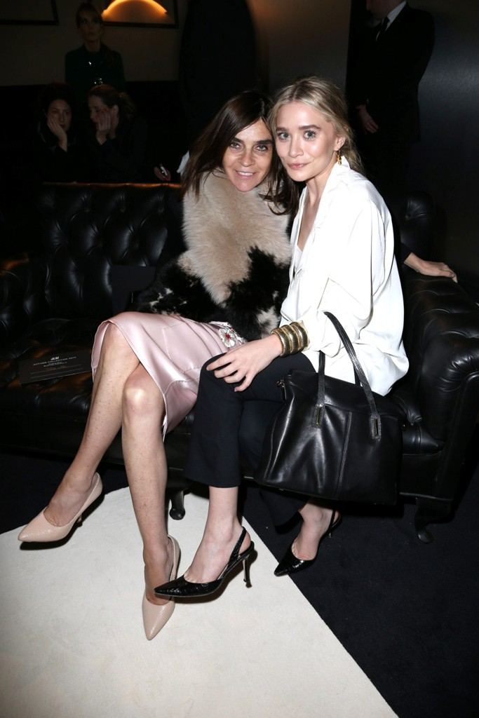 Carine Roitfeld na pokazie Paris Fashion Week